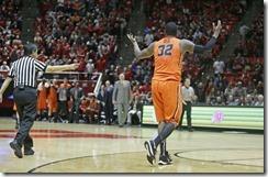 Oregon_St_Utah_Basketball.JPG_t1140
